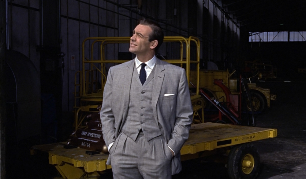 Goldfinger-Suit.thumb.jpg.c4e7d9796b43e8eb207c20e18991b173.jpg