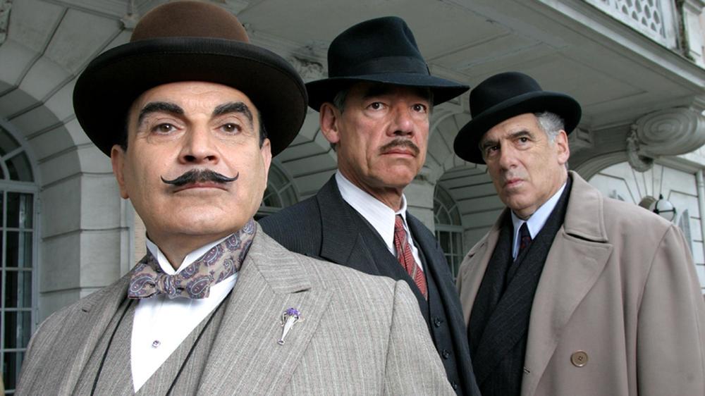 Poirot-Tajemnica-Blekitnego-Ekspresu.thumb.jpeg.a4694bea142ab9b60cc6d1248760a9d9.jpeg