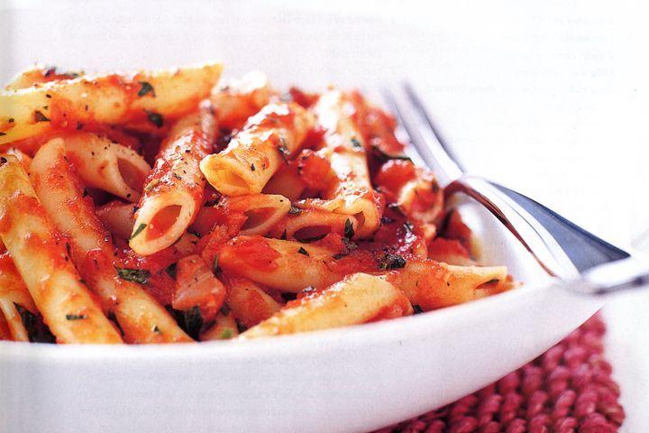 pasta-with-simple-tomato-sauce-21073-1.jpeg.4e7783052cb3d3bda25fcfc544708086.jpeg
