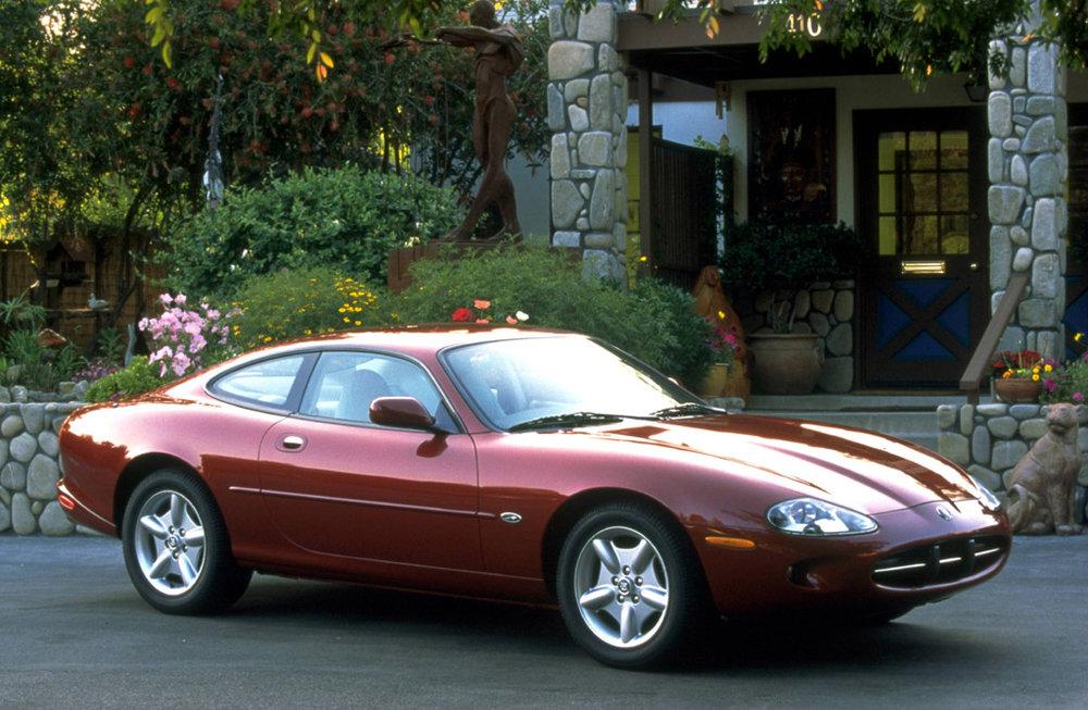1999-Jaguar-XK8.thumb.jpg.d06d280c935dd05d8869a3fd41983573.jpg