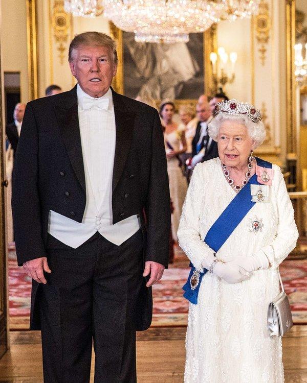 3-donald-trump-queen.w1200.h1500.2x.jpg