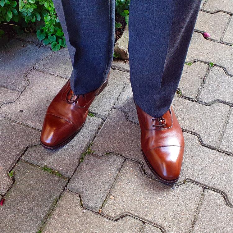 shoes_01_edited.thumb.png.2d092457d44dc9d18a593ee8f6d24216.png