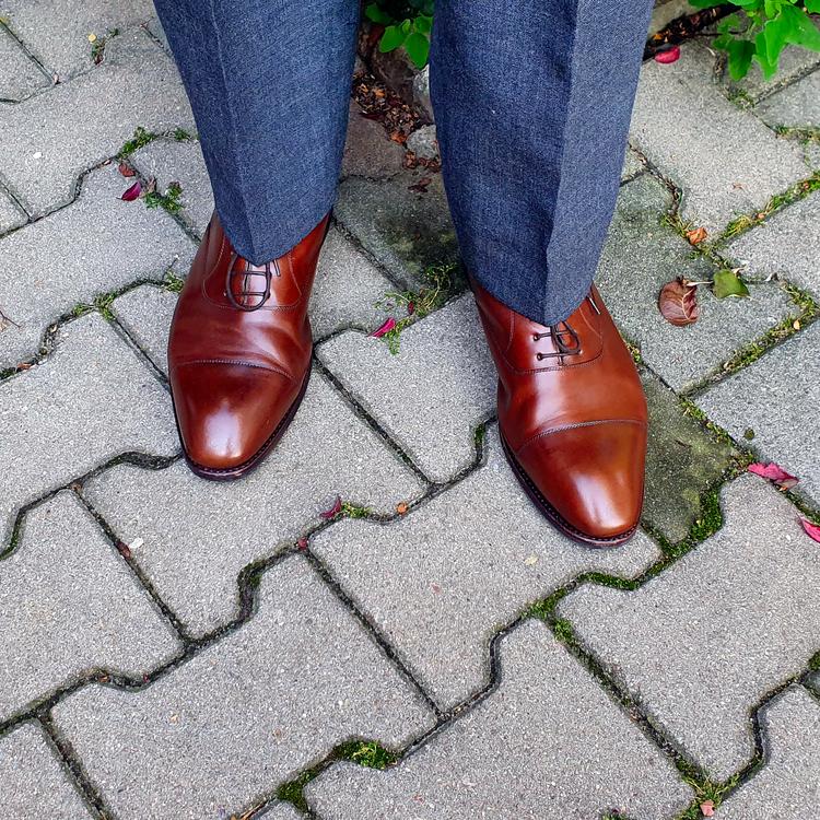 shoes_02_edited.thumb.png.cb4b6ac48557191dbc5865c3b7fd0649.png