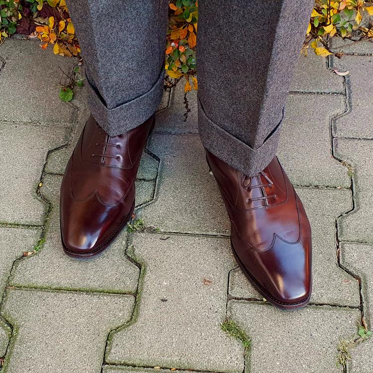 shoes_02_edited.thumb.png.10344af40a81aa0fba096c9339b9570b.png
