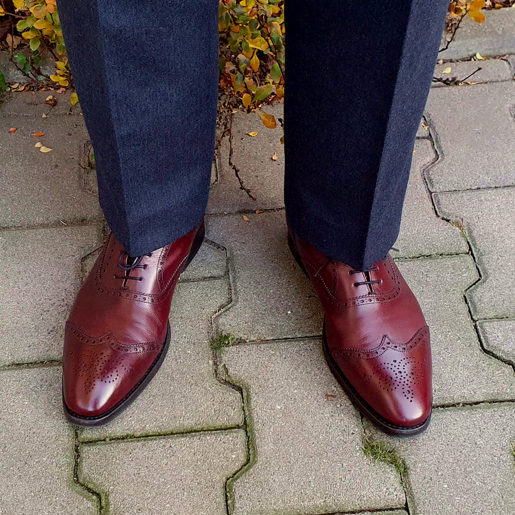 shoes_03_edited.thumb.png.44d88c1acd6c6af1a8709fb7da28620d.png