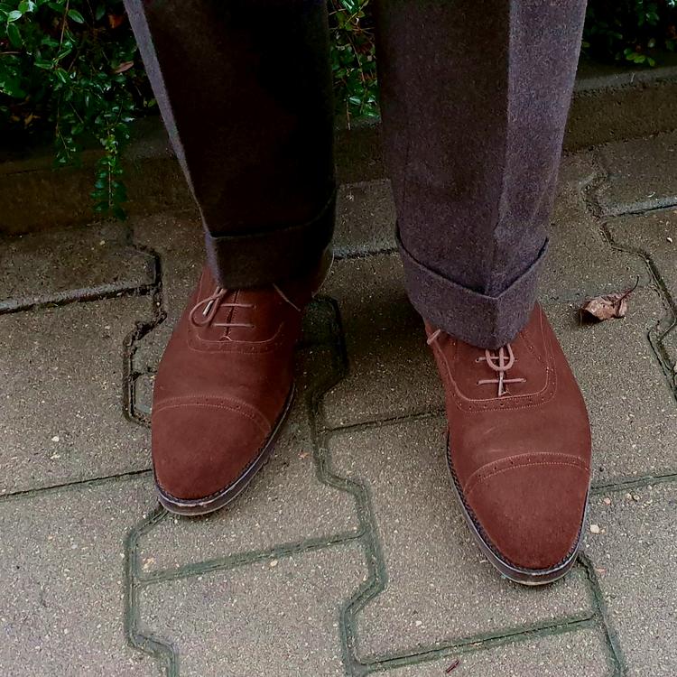 shoes_01_edited.thumb.png.fc3b86773ded1ddd0fcb527fb81a8cb2.png