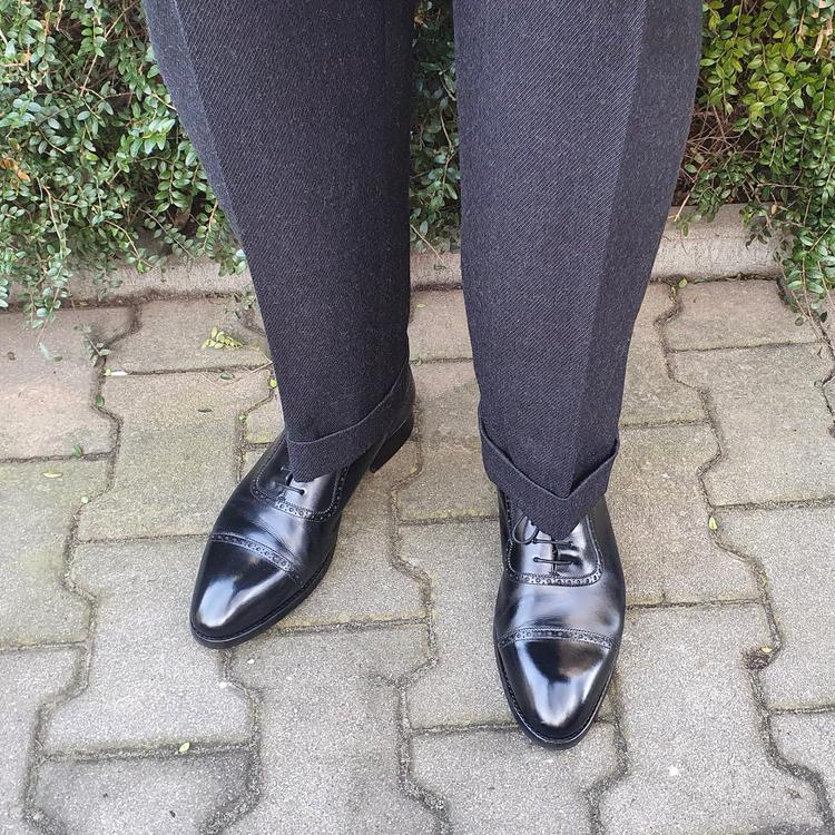 shoes_01.thumb.png.9affa20b4cd4537cd920cdc79ee21cdf.png